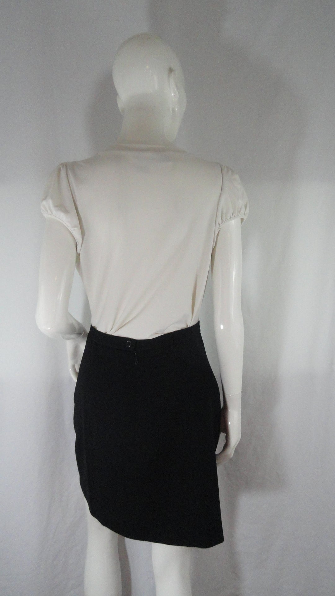 Ralph Lauren Black Skirt Size 8 (SKU 000041)