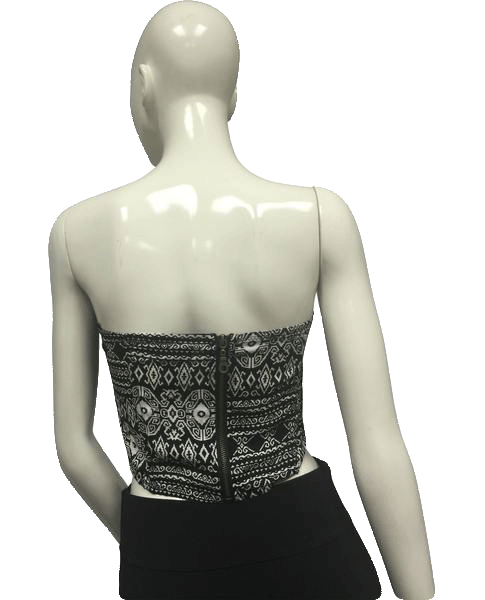 Crop Top Black and White (SKU 000095)