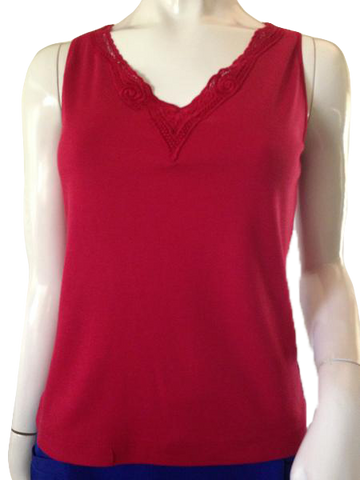 Chico's red tank top with lace detail around scoop neck size 1 (SKU 000209)