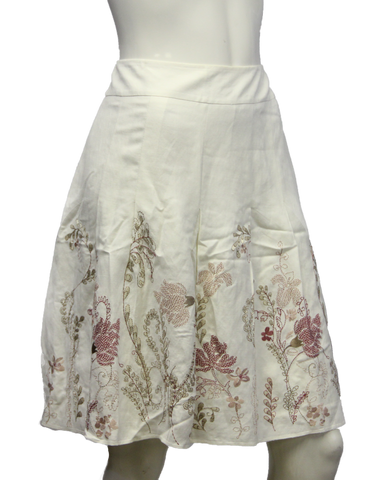 FLORAL SKIRT Ann Taylor Off White Embroidered Flower Skirt Size 8P (SKU 000013)
