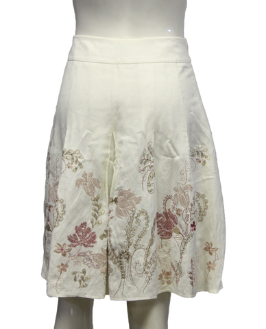 Ann Taylor Off White Embroidered Flower Skirt Size 8P (SKU 000013)
