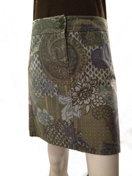 Ann Taylor above the knee blues/greens skirt size 4 (SKU 000210)