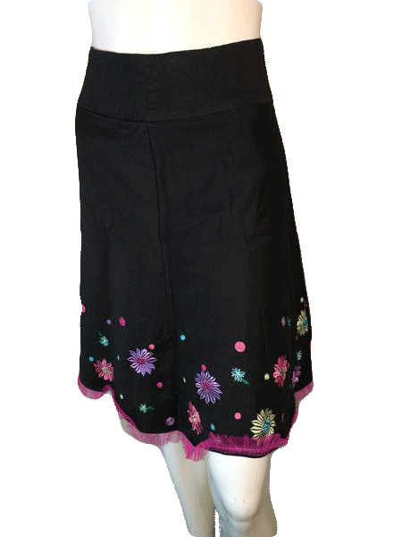 S.L.P. Petite Black Skirt with Beautiful Embroidered Flowers and a Tool Hem Size 2P (SKU 000094)