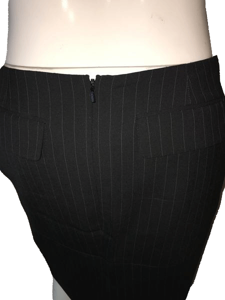Moda International 80's Skirt Black Pin Stripe Size 8 SKU 000094