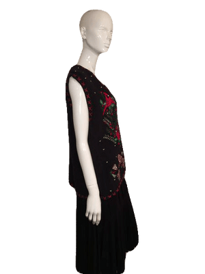 Bobbie Brooks Sweater Vest Black With Cardinals and Pine Cones Embroidery Size XL SKU 000137