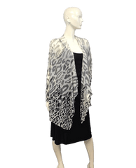 Animal Print Black and White Top Size 16W (SKU 000027)
