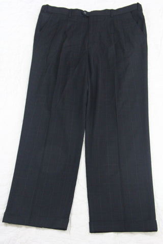 MENS Van Heusen Dress Pants Gray with White Squares Size 40 waist, 32 length (SKU 000164)