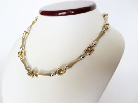 Giante Necklace