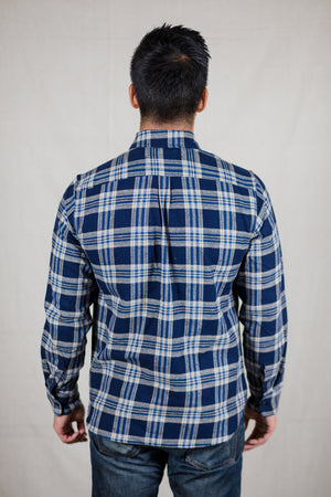 Rogue Territory Traveler Shirt - Navy Neppy Plaid - Franklin & Poe