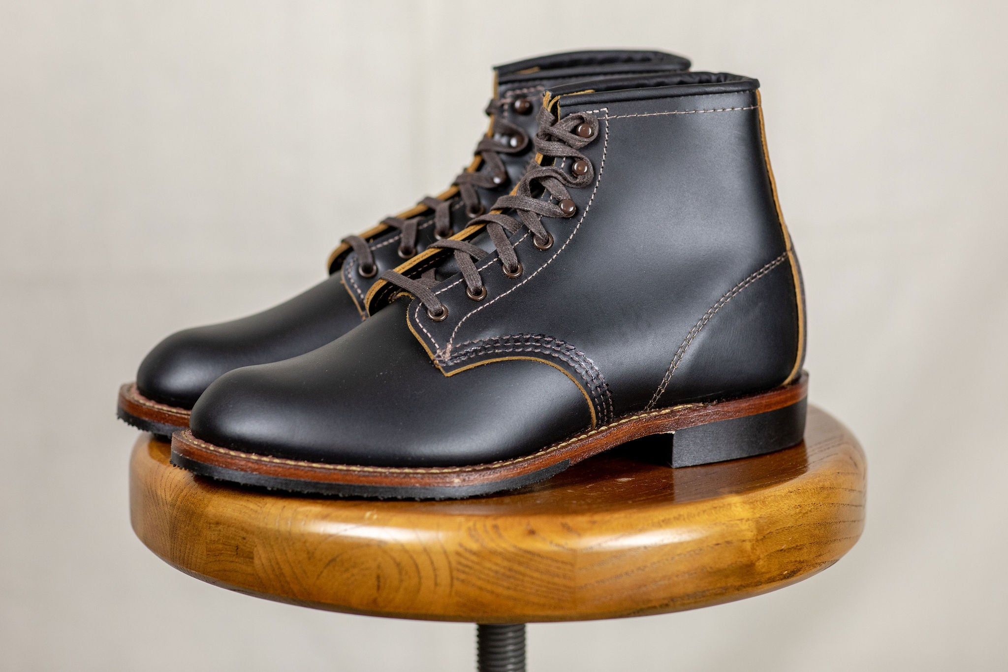 ccf7a8f84617e Red Wing Heritage 9060 Flat Toe Beckman Boot - Black Klondike