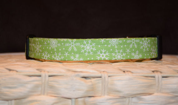 Green Snowflake Collar