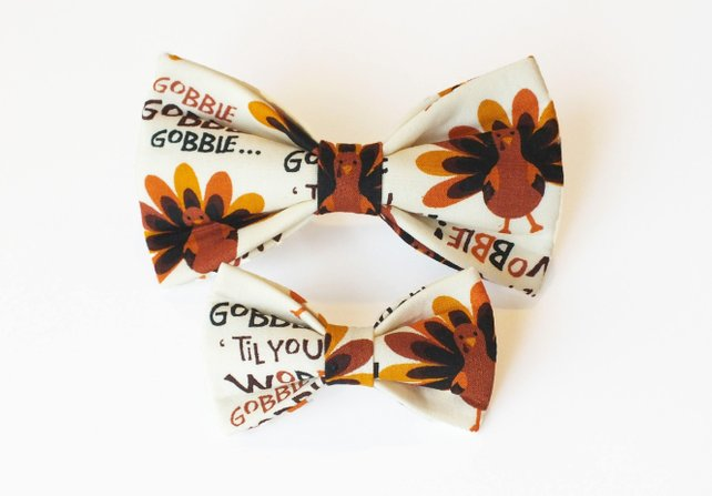 Gobble Til' You Wobble Bow Tie