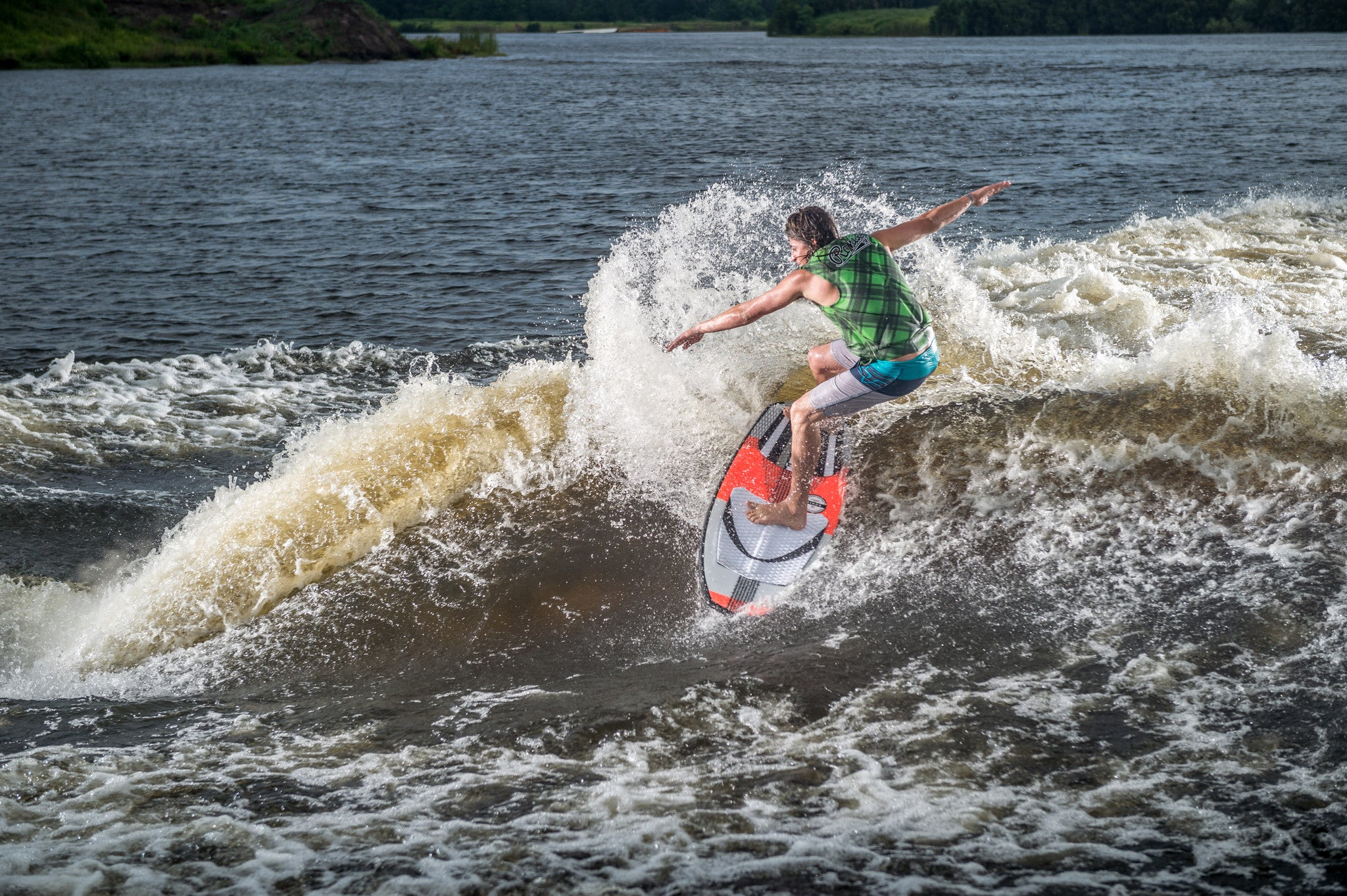 How to Find the Right Size Wakesurf Board