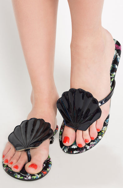 Into The Deep Flat Sandal (Black)