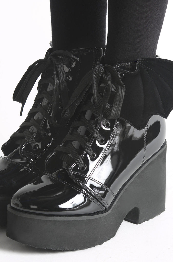 Iron-Fist-Clothing-UK-Shoes-Spring-2017-Bat-Wing-Boot-Royalty-Ash-Costello-Black-01