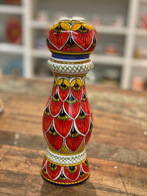 Geribi Red Peacock Pepper Grinder