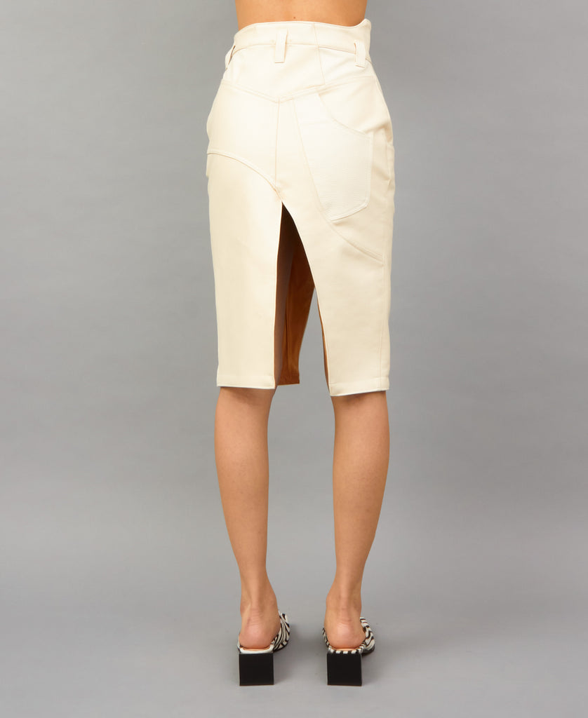 FAUX LEATHER TRABAHOE SKIRT (color: ivory white)
