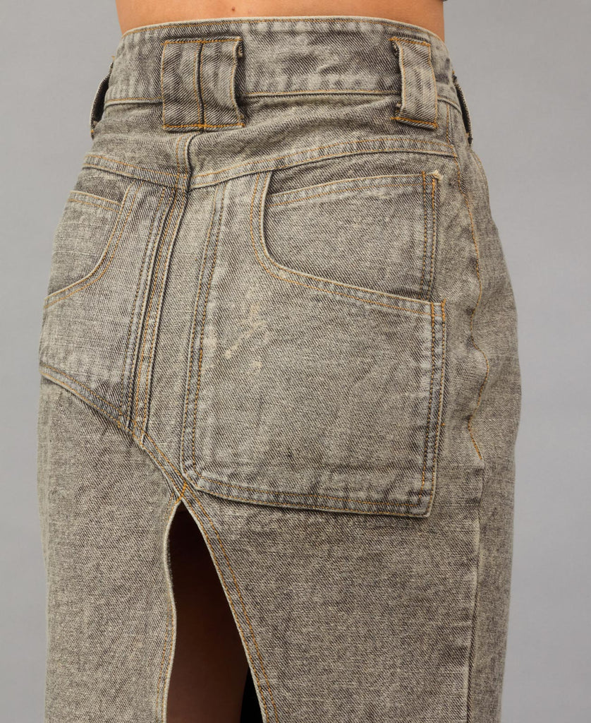 TRABAHOE WORKWEAR SKIRT (color: distressed gray wash)