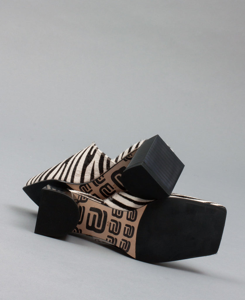 PLANA MULES (color: zebra)