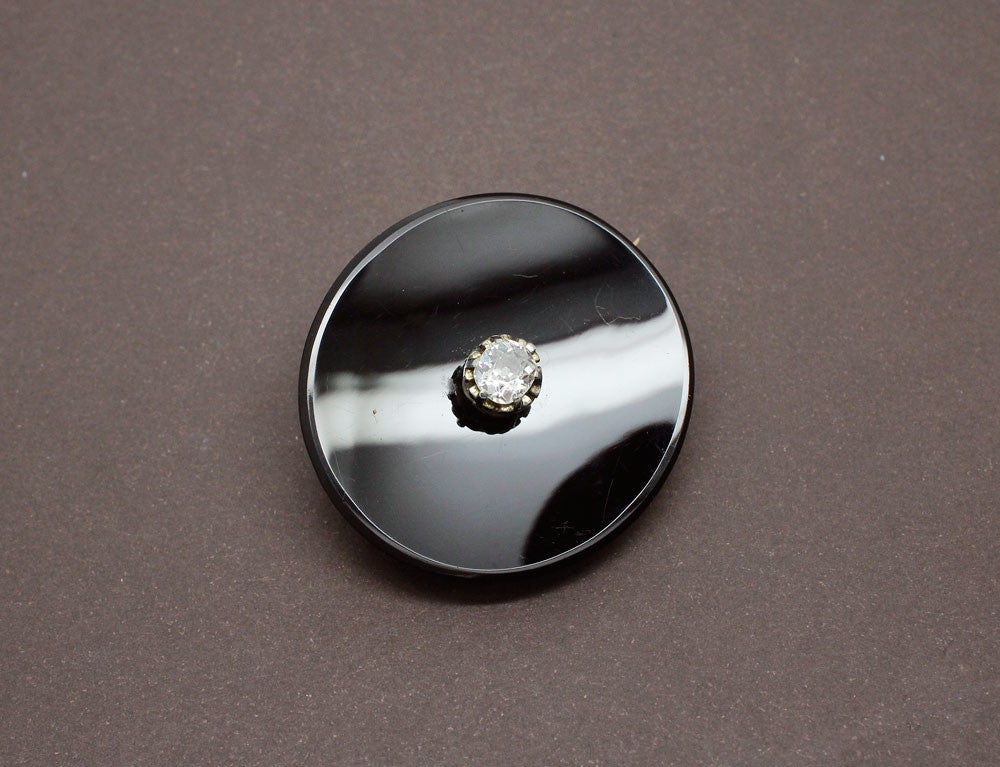 Broche ovale en Onyx et Diamants