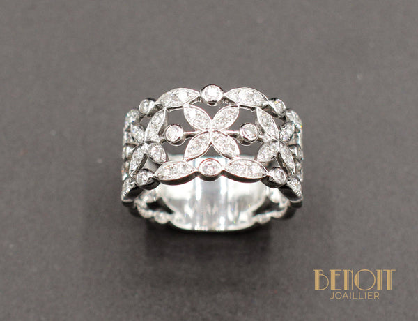 "Bague ""Dentelle"" Or Blanc Diamants"