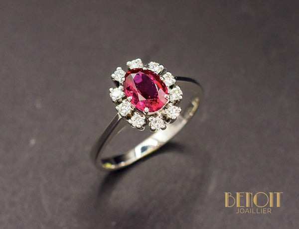 Bague Rubis Entourage Diamants