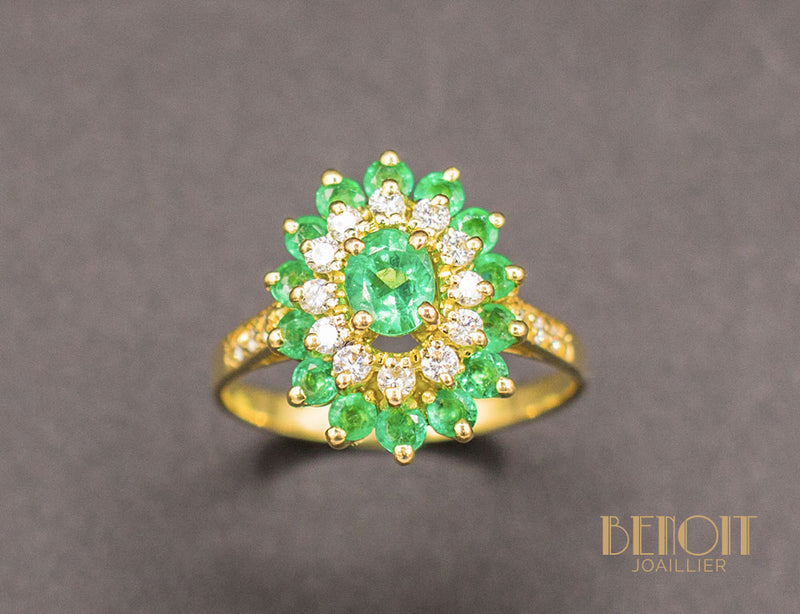 Bague Double Entourage Emeraudes Diamants
