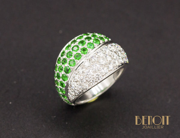 Bague Boule Diamants Emeraudes