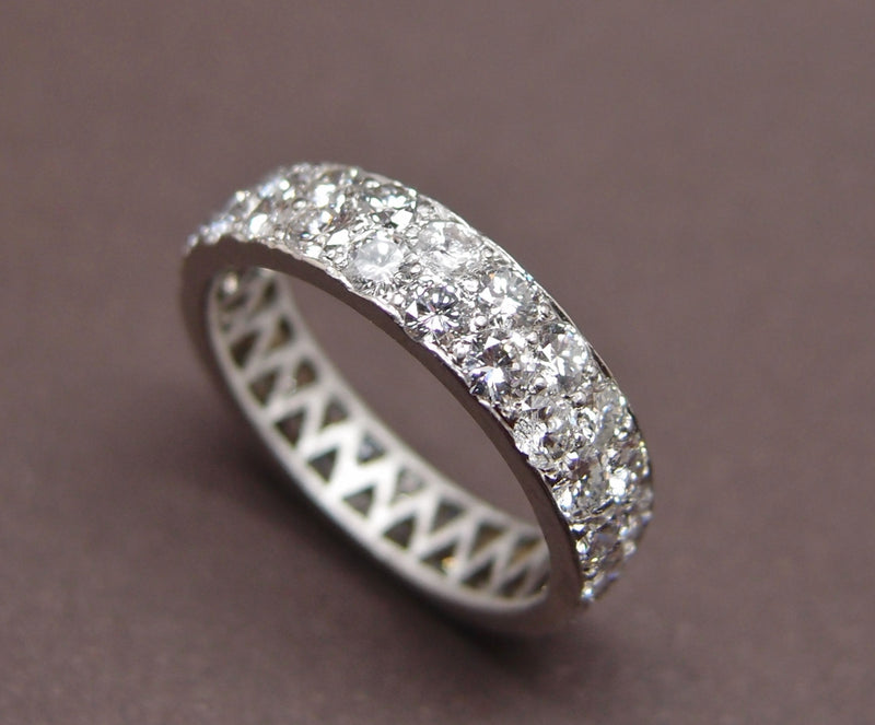 alliance ruban double rang en platine et diamants 2.2 cts