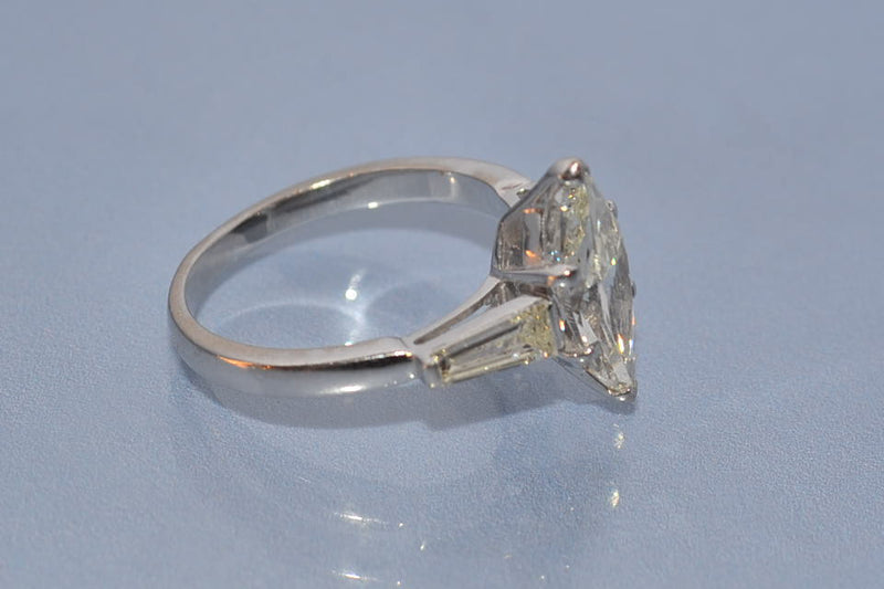 Bague navette diamant 1,3 ct