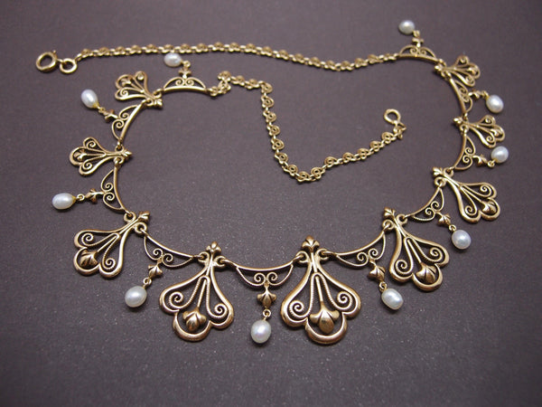 "Collier ""Draperie"" or et perles vers 1900"