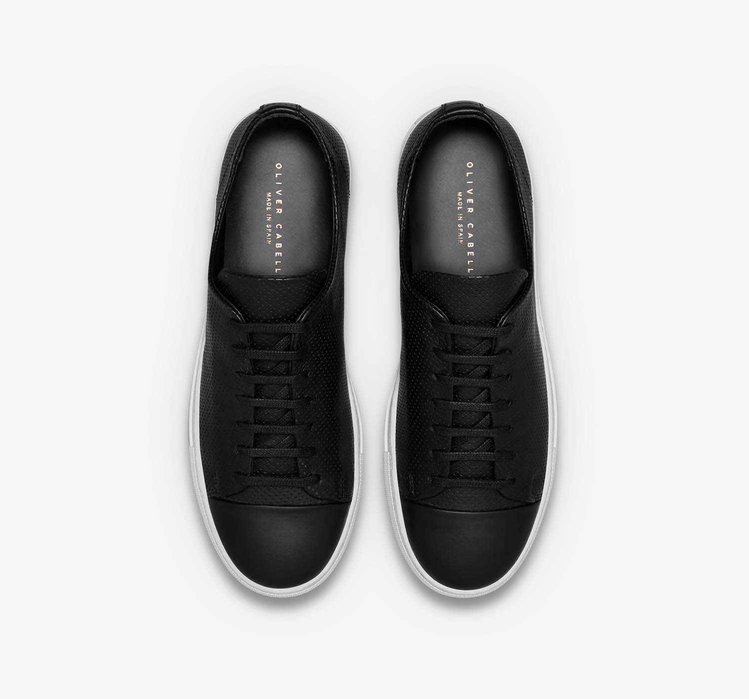 Erving | Black