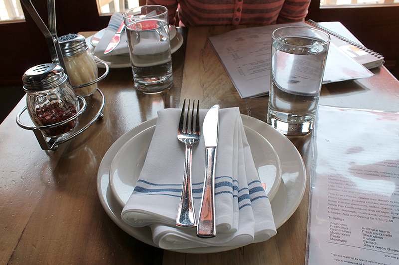 Pizzeria Review: Little Star's Place Setting
