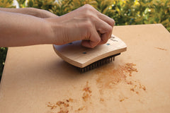 Cleaning a Pizza Stone with the Scrubber