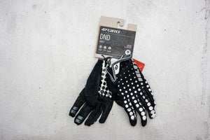 Dot Gradient DND Glove