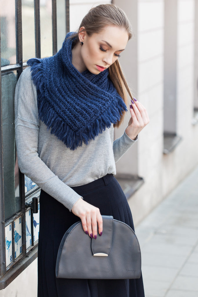 Navy Chunky Knitted Square Tassel Snood - GW Clarissa