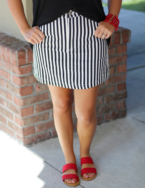 The Entire Package Skirt - Black/White