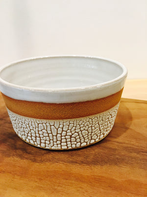 Bowl: White crackle bowl