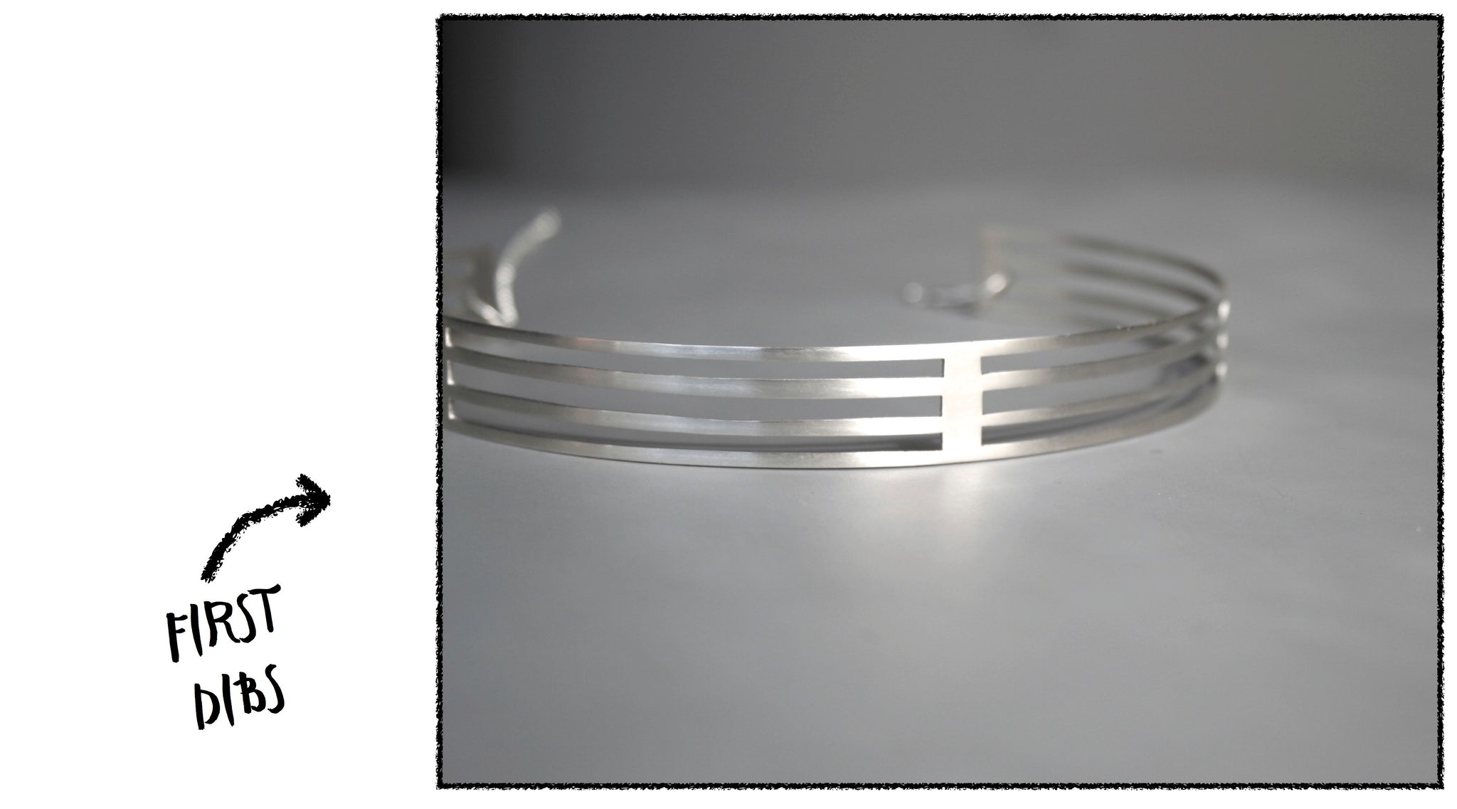 Stripe choker handout by Right Collection