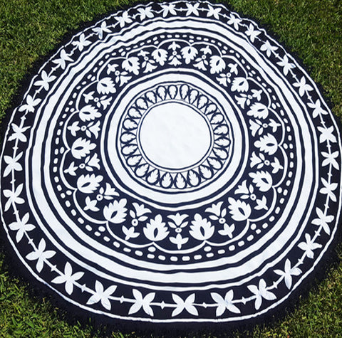 #187 - Boho Throw - Black & White Round with Tassel Edging
