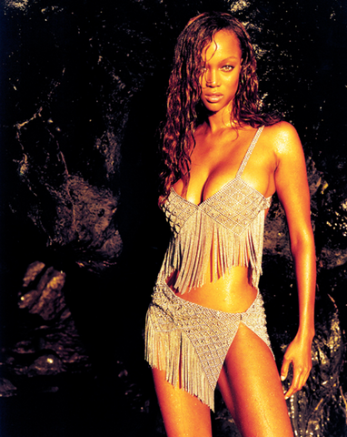 Tyra Banks wearing SG Liquid Metal Jewelry