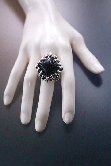 PR- Ring1 – Antique Silver and Onyx Ring