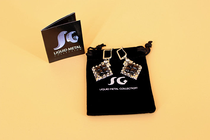 SG Liquid Metal PR-E1 – Antique Silver and Onyx Earring