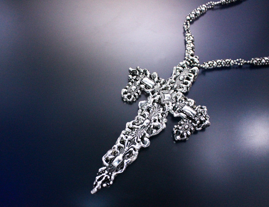 SG Liquid Metal LEN 3419 – Antique silver finish Cross necklace by Sergio Gutierrez