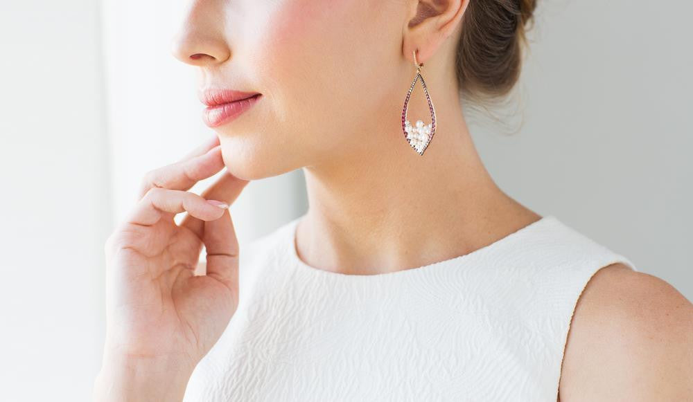 Super Classy Earrings for the Top-Notch Outlook