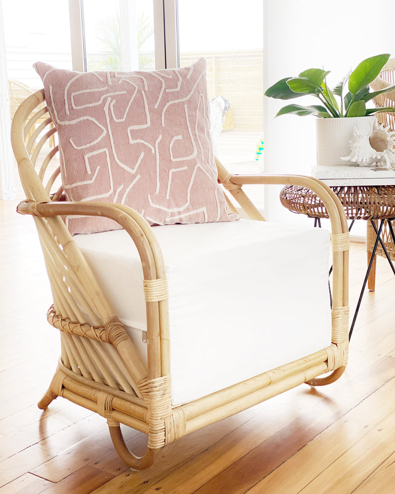 Load image into Gallery viewer, LULU LUXE COASTAL - RAINBOW CHAIR