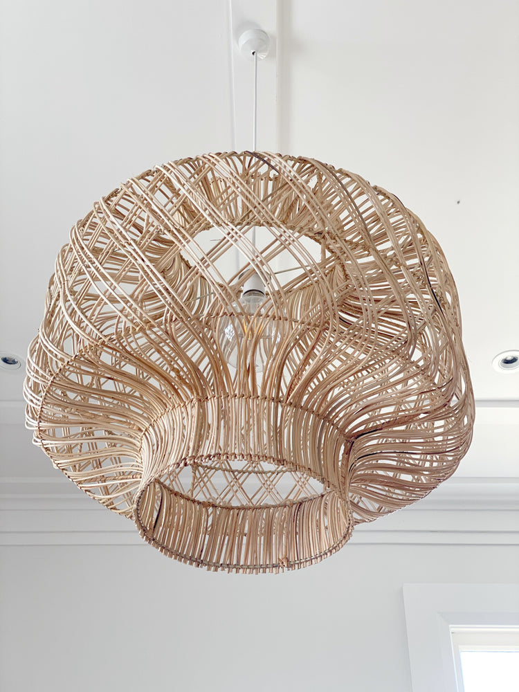 Load image into Gallery viewer, LULU LUXE COASTAL - LARGE KIRA RATTAN PENDANT