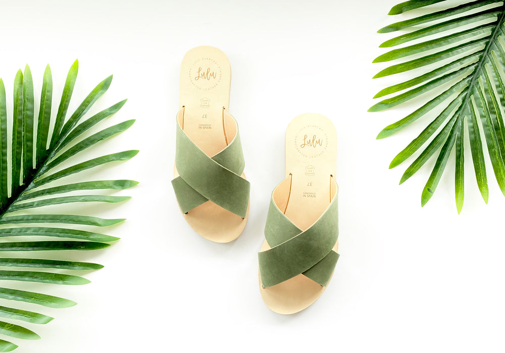Load image into Gallery viewer, CROSSOVER SLIDE - NUBUCK KHAKI
