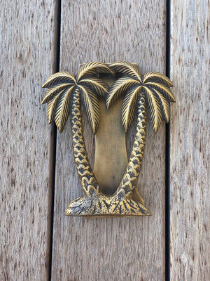 LULU LUXE COASTAL - BRASS PALM DOOR KNOCKER