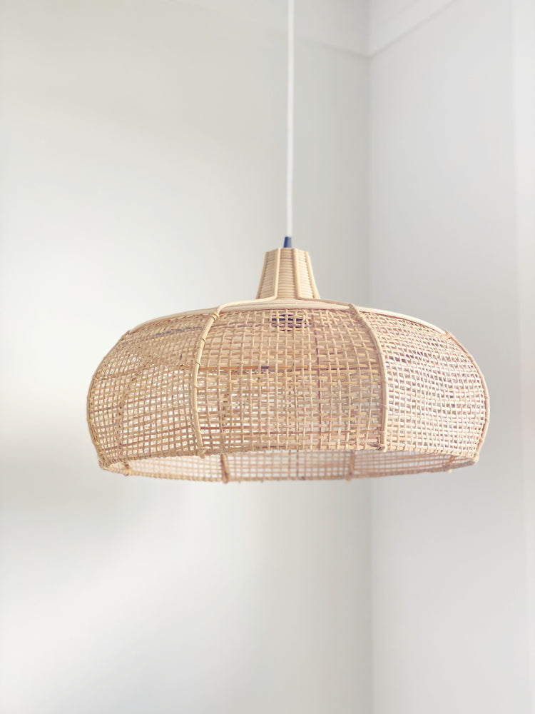 Load image into Gallery viewer, LULU LUXE COASTAL - RATA PENDANT